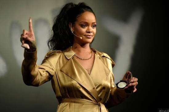 Rihanna Now World's Richest Female Musician, Thanks to Fenty Beauty
